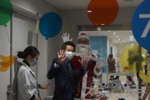 サンタさん、クリスマス会、病院、子ども